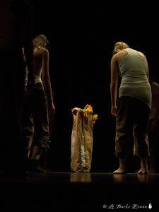 Photographie de la troupe Excédance au Théatre de St Jean de Maurienne